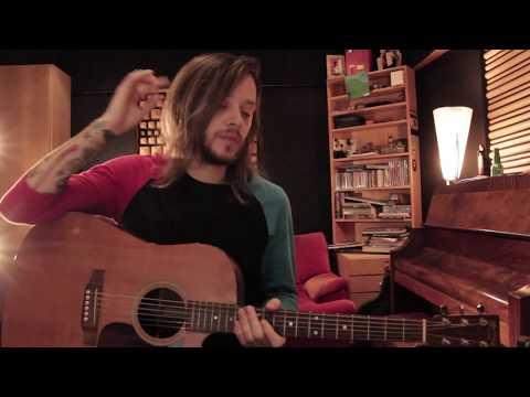 Bonsai no violão da tia
