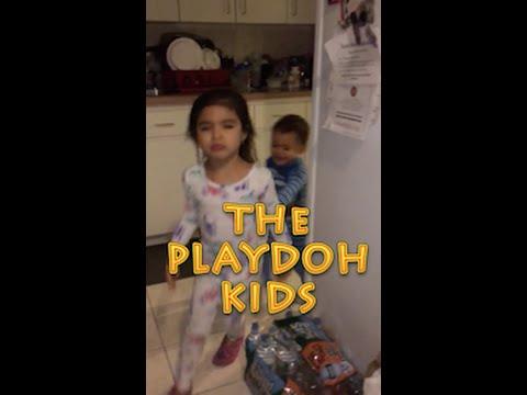 The Play Doh Kids Pajama Run Around - Esmeralda & Ivan
