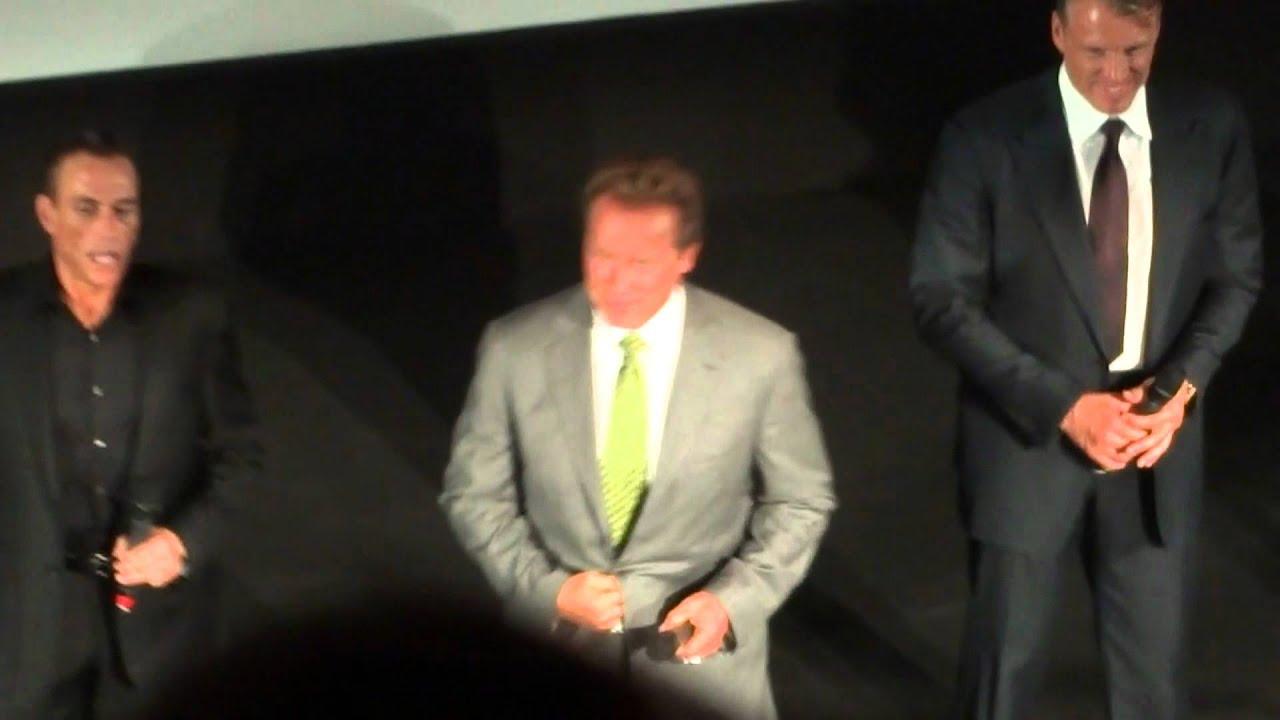 Download Expendables 2 : Stallone, Schwarzenegger, Van Damme, Statham et Lundgren au Grand Rex (part 1)