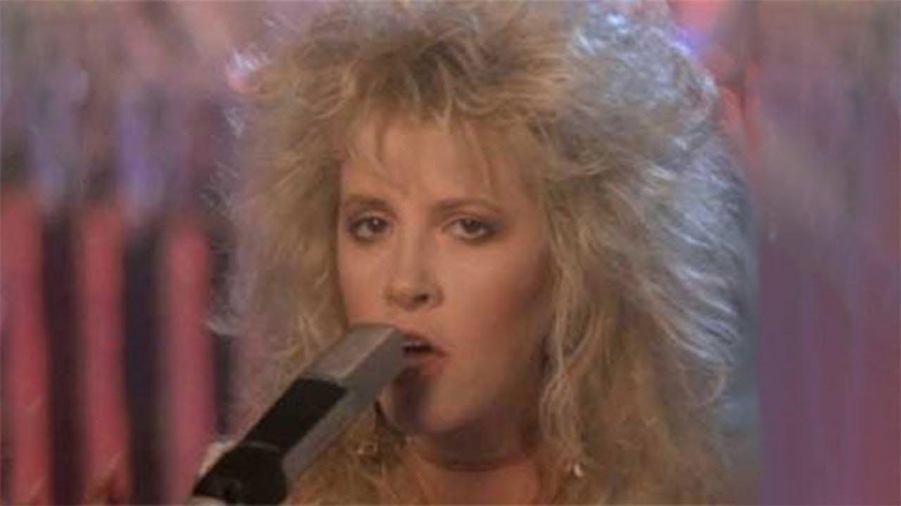 Download Fleetwood Mac - Seven Wonders (Official Music Video)
