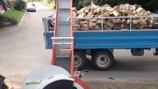 Repeat youtube video Brennholz sägen mit Vogesenblitz Sat 4-700 Trommelsäge, Revolversäge
