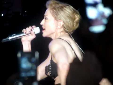 Madonna Shows Bum At Concert