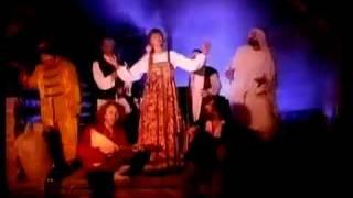 Смотреть клип Vika Cyganova - Russkaya Vodka