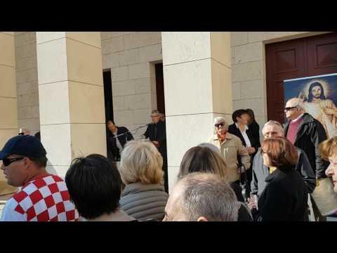Prosvjed protiv održavanja predstave 'Naše nasilje i vaše nasilje'