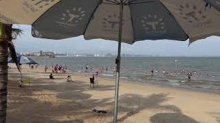 越南下龍市(下龍灣)別墅海灘旅遊熱潮不斷,看不出一點疫情的衝擊影響,沒有外國遊客的景點依舊人滿為患,國內經濟實力崛起中,一起來看看