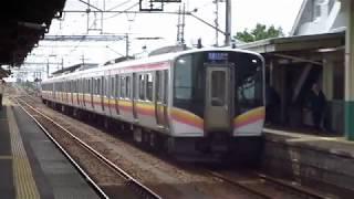 E129系信越本線東三条駅到着
