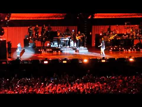 Eminem feat Rihanna  Love The Way You Lie  at Metlife Stadium