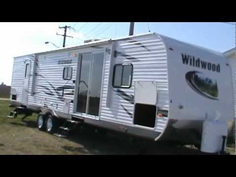2013 wildwood 37bhss2q travel trailer 2 queen mbr mpg for Rv with 2 master bedrooms