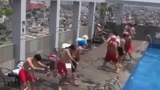 Clip các tuyển thủ Olympic Việt Nam nhảy tưng bừng, Công Phượng liên tục tạo dáng như ai