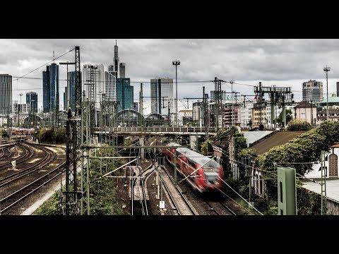 Walking In Frankfurt Am Main { Vom Bahnhof Zur Zeil}