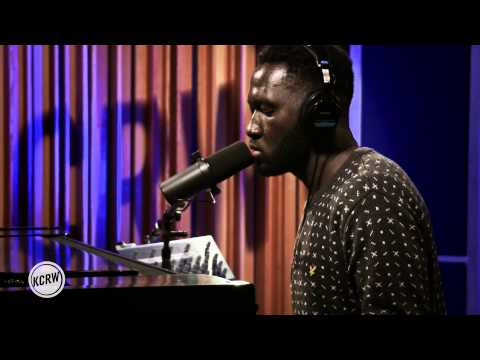 "Kwes performing ""36"" Live on KCRW"