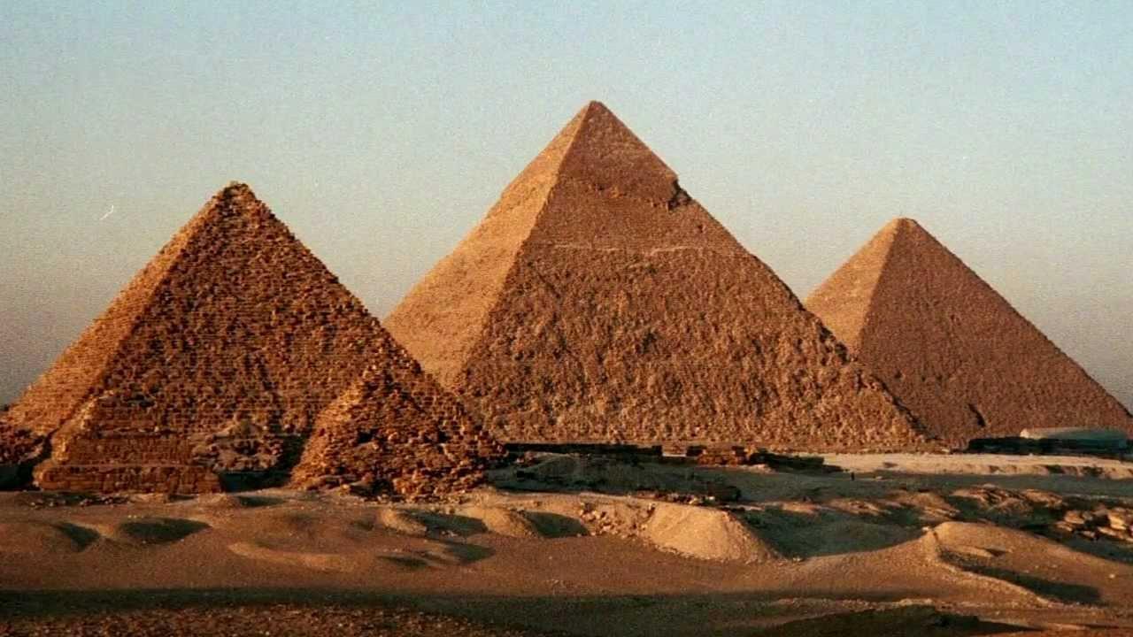 Resultado de imagem para piramides do egito