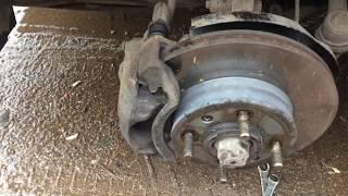 как устранить стук тормозных суппортов Hyundai Accent
