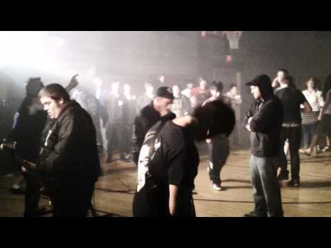 dr acula live in whitewater wisconsin old armory (headlining) full set  5/16/2011 mp3