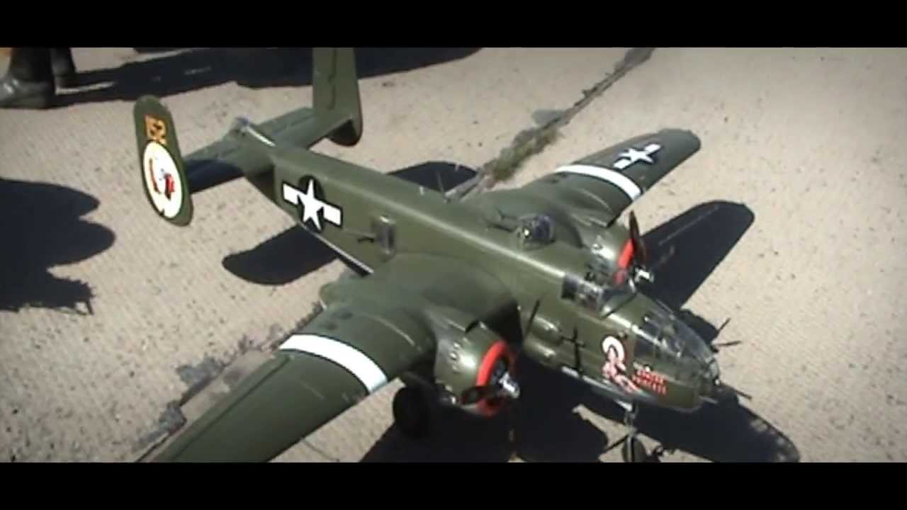B-25 Mitchell Bomber RC Warbird Airplane Bananahobby - YouTube 579235ec5