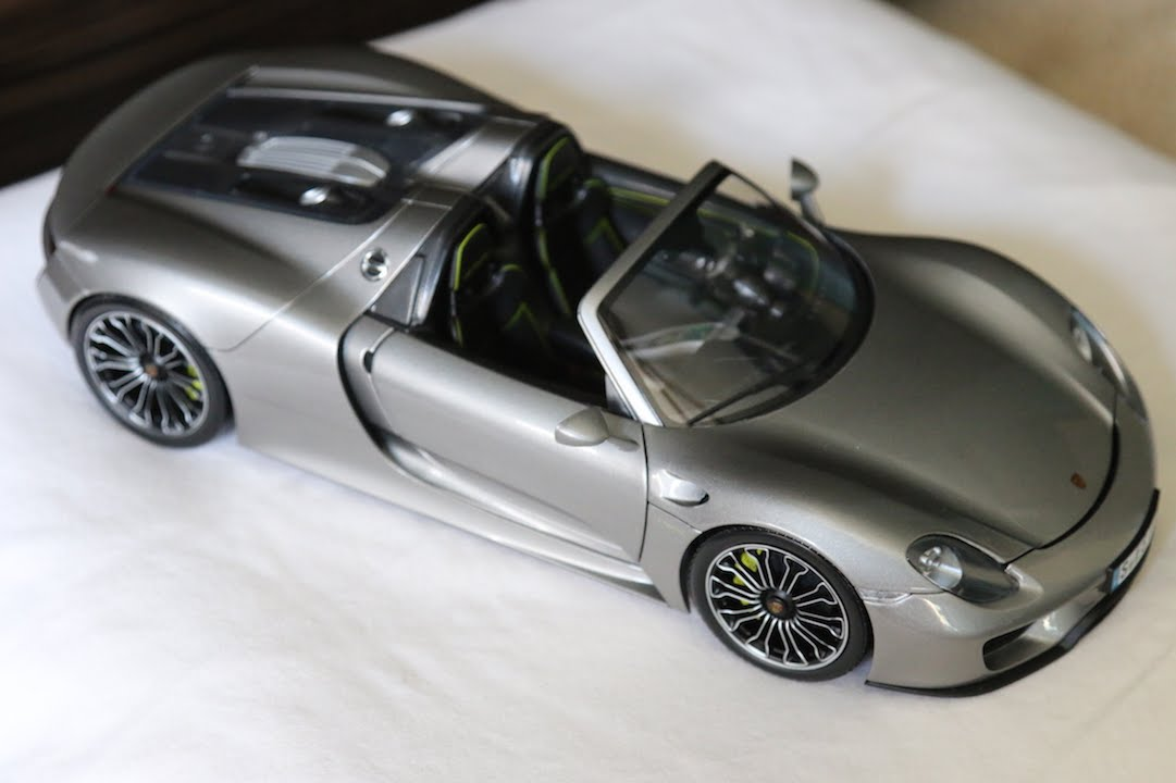 review minichamps 1 18 scale porsche 918 spyder youtube. Black Bedroom Furniture Sets. Home Design Ideas