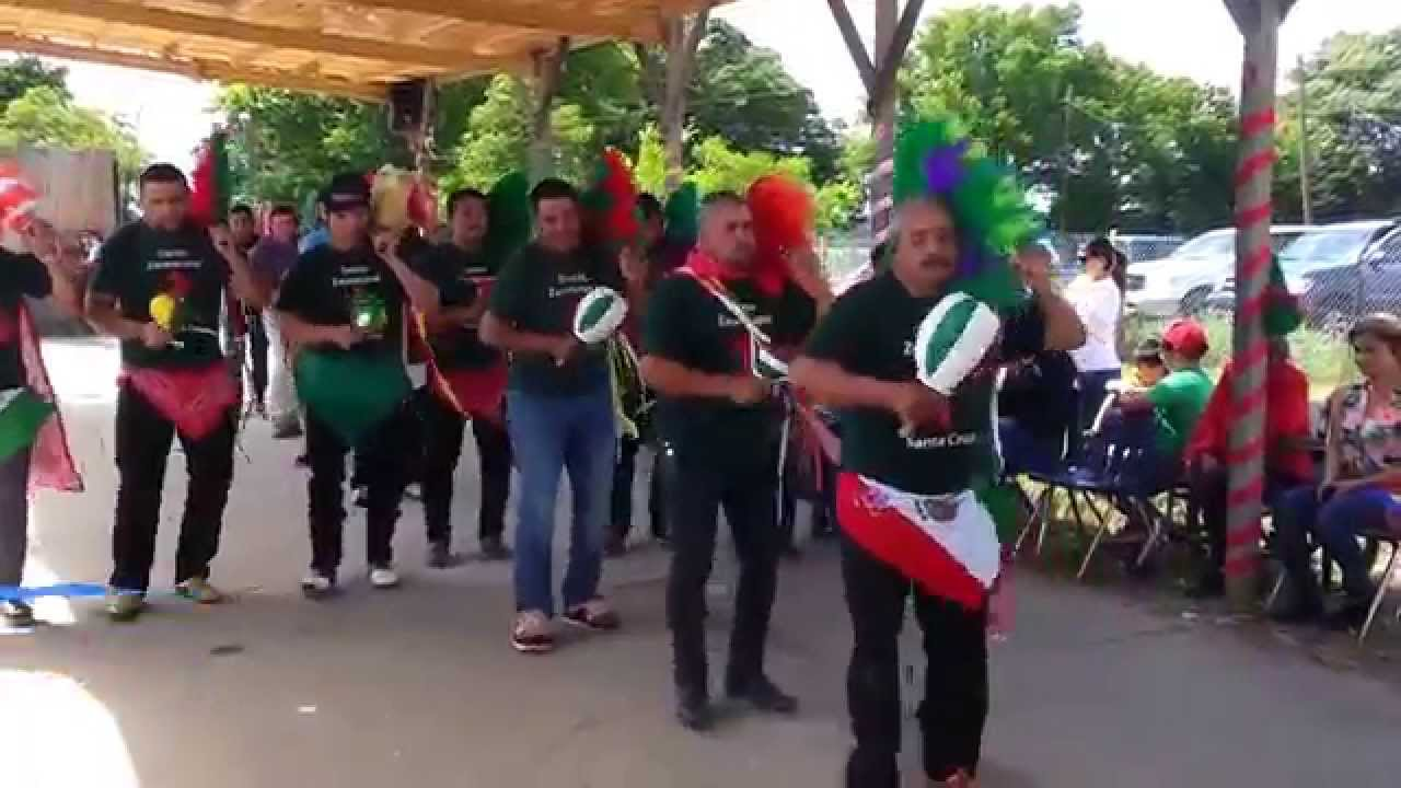 alto amigo bailando