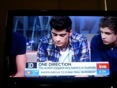 One Direction eating food in Australia on Channel 7 Sunrise - 11/04/12