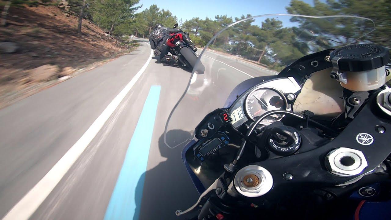 Yamaha R6 Chasing Ducati Panigale 899