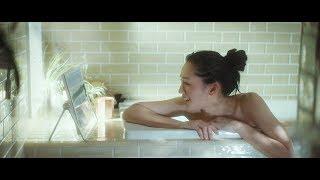 女優の綾瀬はるか(32)が出演するパナソニック『プライベートビエラ』新CM「綾瀬さんお風呂篇」がきょう15日より全国で放送される。 ランニングから戻り軽快にウェアを ...