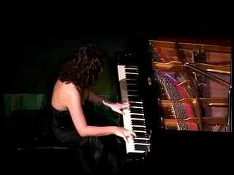 Cristiana Pegoraro suona Andalucia di Lecuona