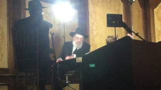 Rabbi Schochet in Moshe Ganz hall