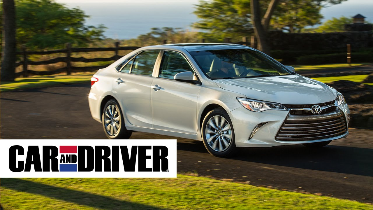 2017 Toyota Camry Xle Review In 60 Seconds Car And Driver