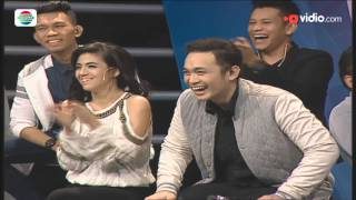 "Download Video ""Padang"" - Abdel Achrian Guest Star Stand Up Comedy Club MP3 3GP MP4"