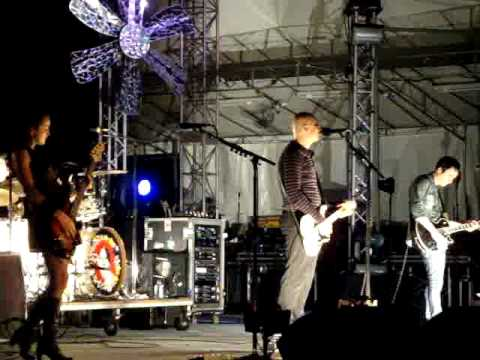 BULLET WITH THE BUTTERFLY WINGS - THE SMASHING PUMPKINS LIVE AT SINGFEST 2010