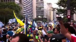 Manifestação pró Aécio toma avenida Paulista