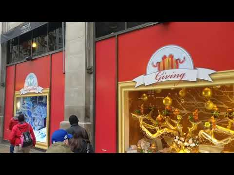 90 seconds of Christmas displays from the Macy