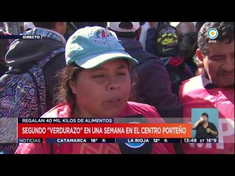 TV Pública Noticias - Verdurazo en Plaza de Mayo (2)
