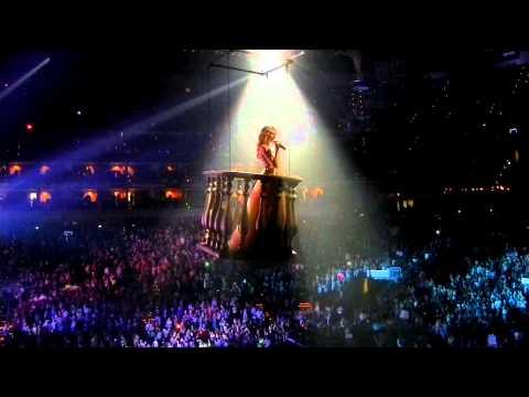 Taylor Swift Concert Louisville Kentucky KFC YUM Center 2011
