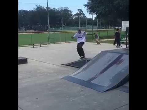 Carlos Leon Skateboarding