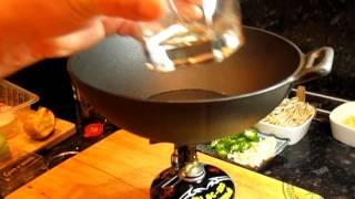 Ароматная маринованная свинина с ломаной кукурузой и овощами (из серии: быстрая вечерняя еда)