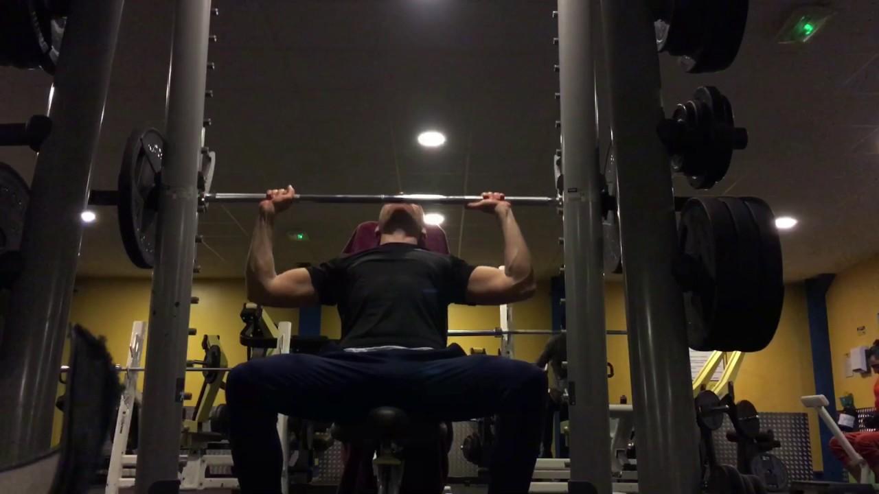 Développé militaire à la barre - musculation Épaules - YouTube