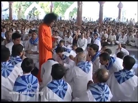 Thursday Divine Darshan of Sathya Sai Baba - Part 109