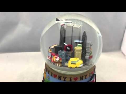 New York Twin Towers Snow Globe