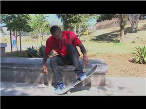 Advanced Skateboarding : How To Skateboard: How To Heel Flip