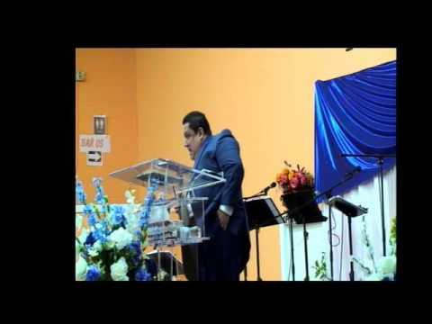 6ta noche de Celebra-Zion y Esperanza 2016 predica el Evangelista Magdiel Garcia