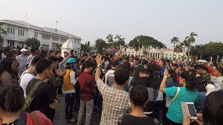 Indonesian Youth Glorify God In City Square Of Jakarta Amidst Many Muslims