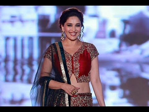 Manish Malhotra Best Fashion Show With 'Madhuri Dixit'