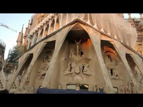 A Virtual Tour of Gaudi's Famous Basilica, La Sagrada Familia
