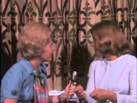 "Bette Rogge interviews Karen Morrow of the TV series ""The Jim Nabors Hour."""