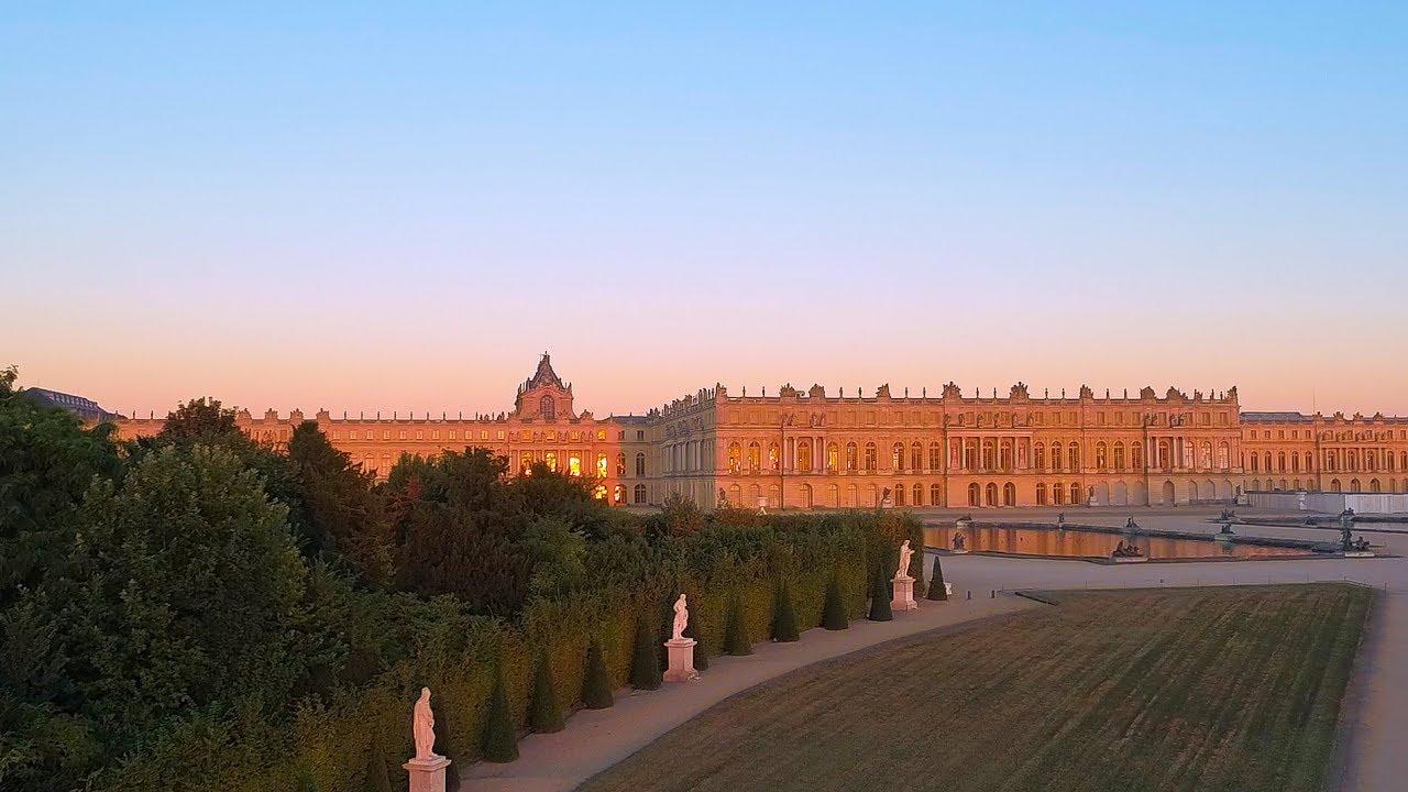 Le Chateau De Versailles Vu Du Ciel Youtube