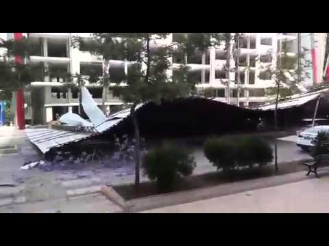 Turkey - Part of building Adana collapses
