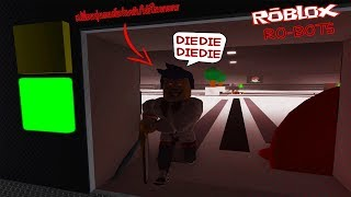 Roblox : RO-BOTS #2 จำลองการเปลี่ยนหุ่นยนต์ให้เป็นฆาตกรโรคจิตถือเลื่อย