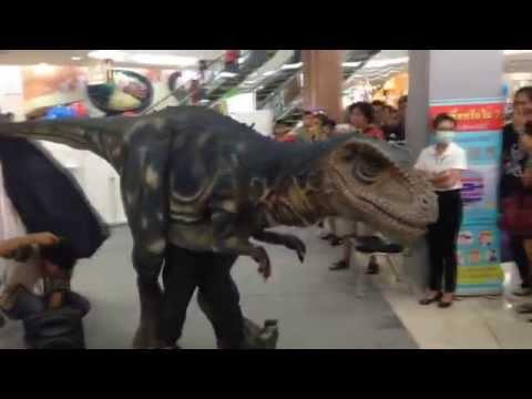 ไดโนเสาร์โผล่กลางห้าง  การโชว์ไดโนเสาร์ Jurassic Dinosaur และชมสารคดีไดโนเสาร์ฟรี