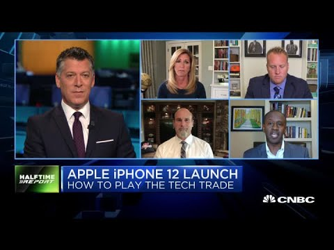 Traders Discuss How To Balance Tech Investments With Cyclical Names