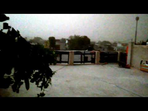 Dust strom strikes in Lucknow, india